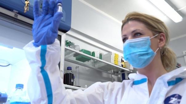 Минздрав разрешил испытания вакцины «Спутник Лайт»